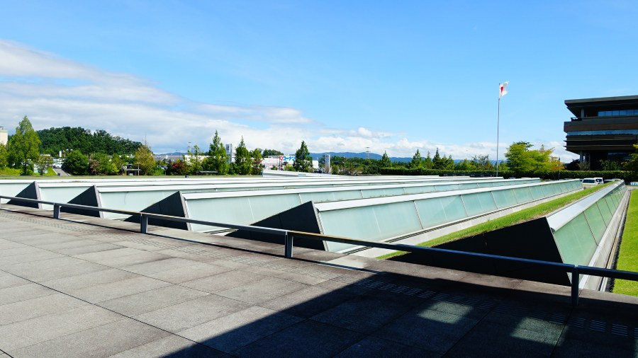 國立國會圖書館關西館館外的閱覽室天窗