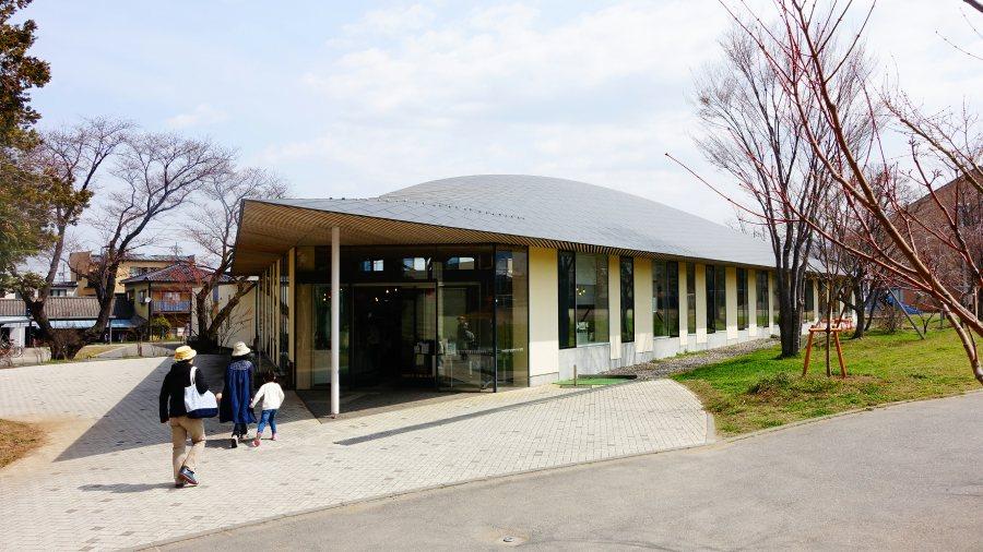 長野小布施「まちとしょテラソ」町立圖書館