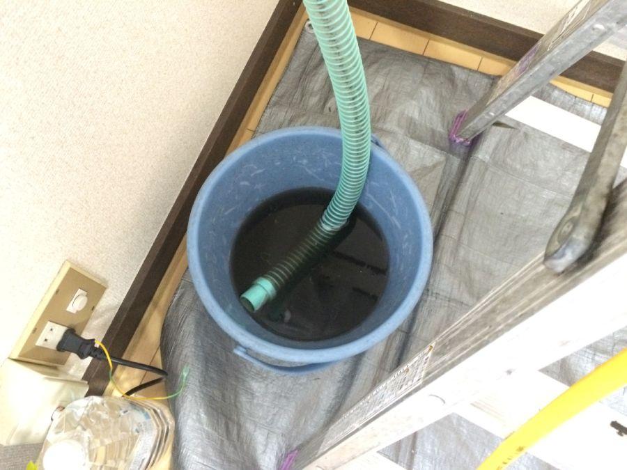 洗冷氣的髒水