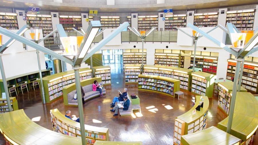 茨城縣水戶市立西部圖書館閱覽室