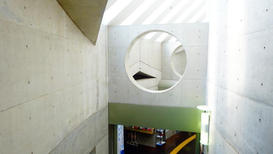 茨城縣水戶市立西部圖書館展示迴廊